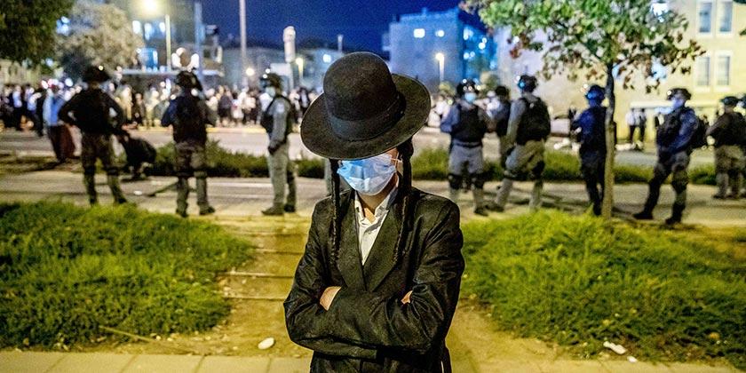 585004_Corona_Religious_Police_Ohad_Zwigenberg