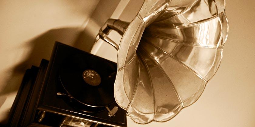 gramophone-pixabay