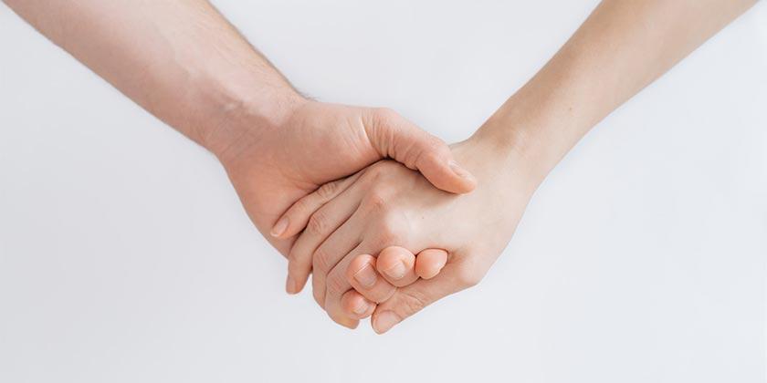 roman-kraft-hands-unsplash