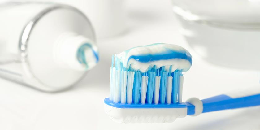 toothpaste-brush-pixabay