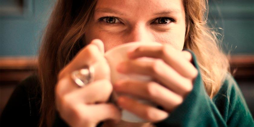 girl-tea-pixabay