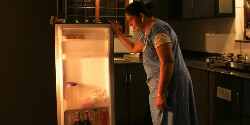 godwin-angeline-benjo-refrigerator-unsplash