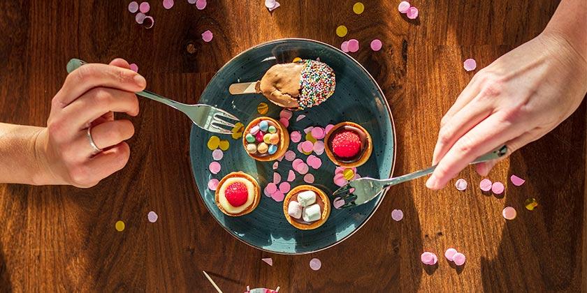lloyd-diet-sweet-unsplash