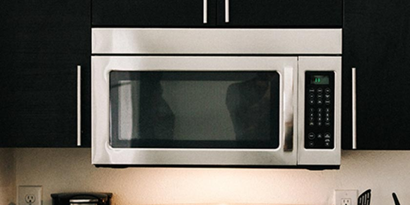 mike-marquez-microwave-unsplash