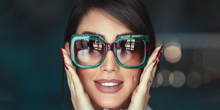 ali-pazani-Girl-sunglasses-unsplash