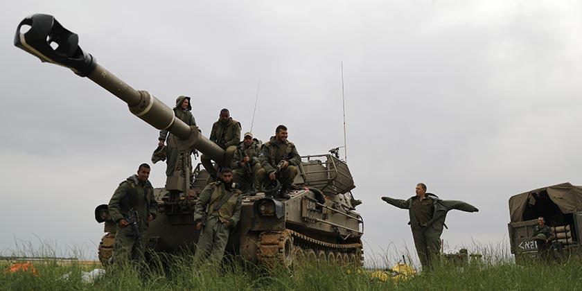458549_Canon_War_Soldiers_Gaza_Ilan_Assayag