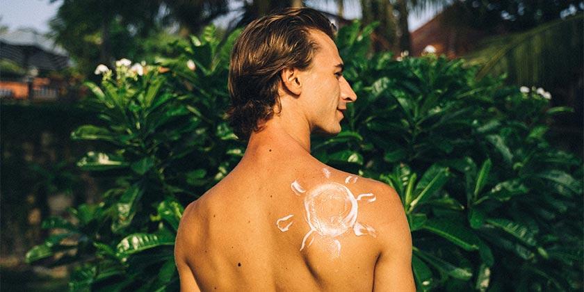 pexels-anna-tarazevich-sunscreen