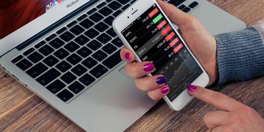 telephone stock-Firmbee-Pixabay