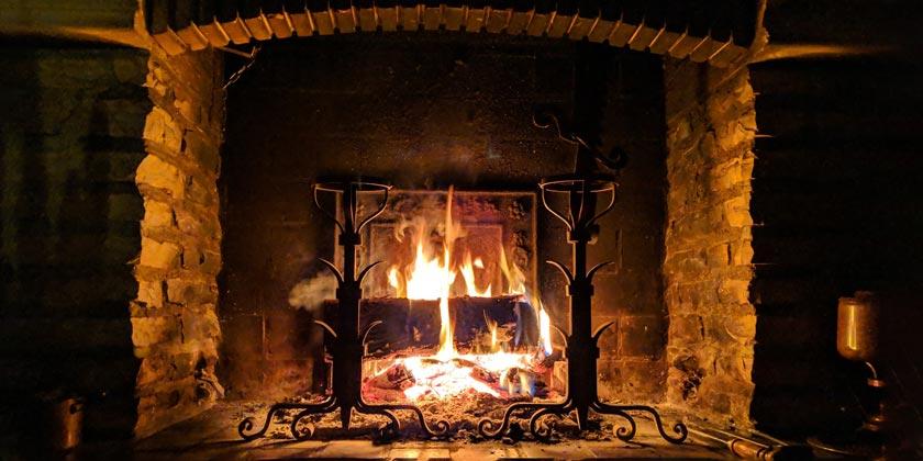 stephane-juban-fireplace-unsplash